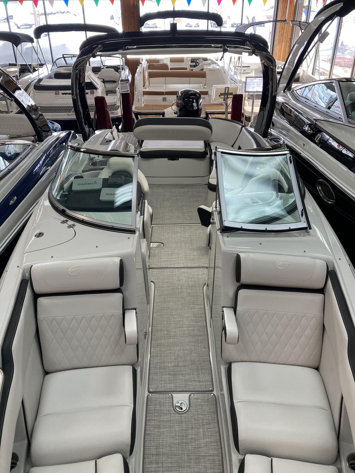 2021 Crownline boat for sale, model of the boat is 290 SS & Image # 4 of 7