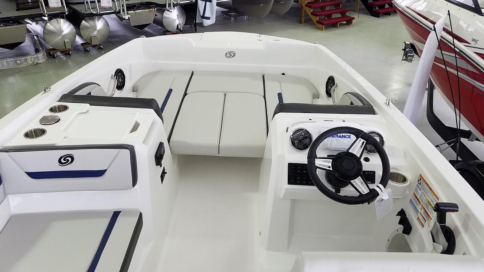 2021 Hurricane boat for sale, model of the boat is SunDeck Sport 205 OB & Image # 5 of 9