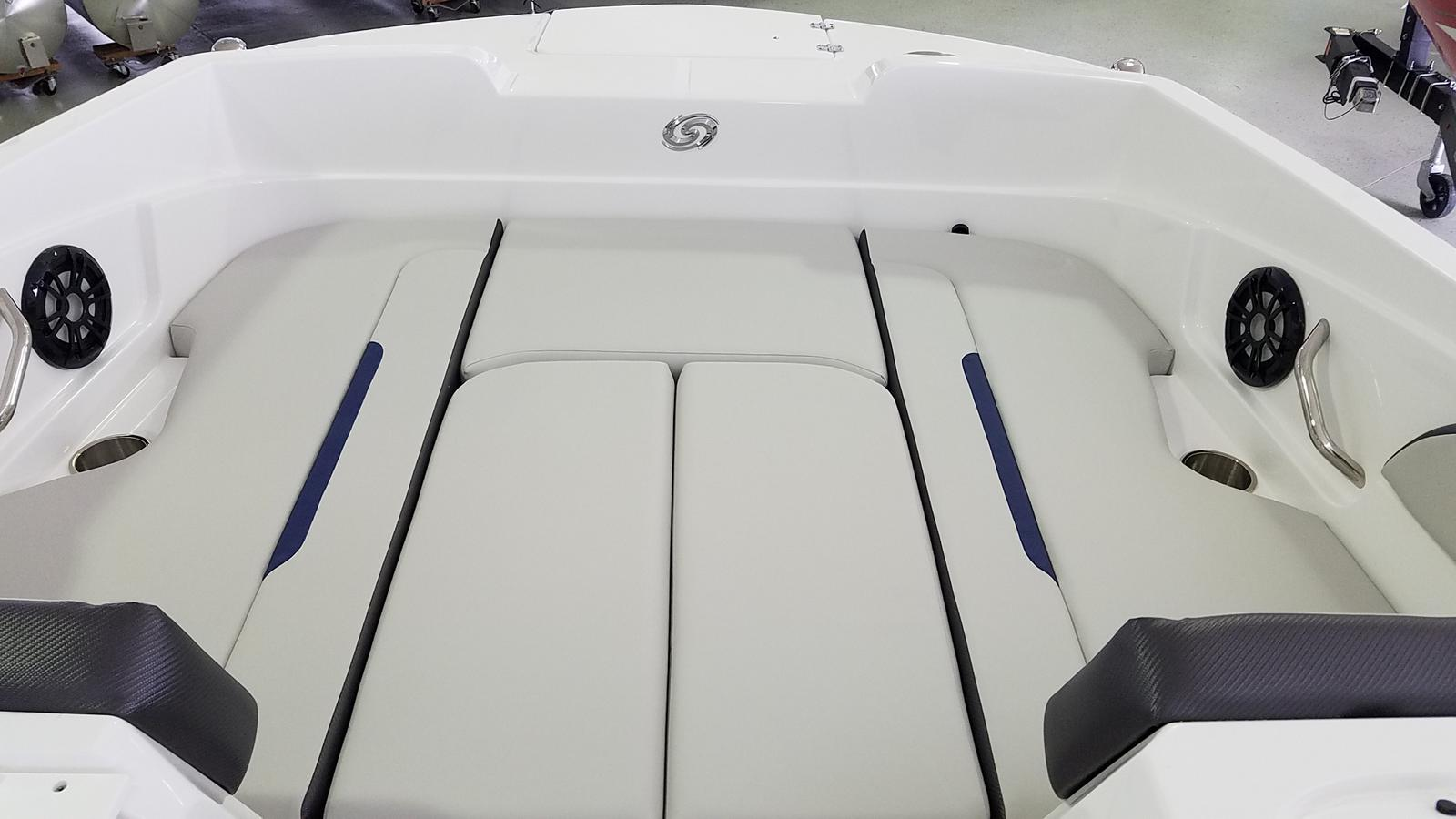 2021 Hurricane boat for sale, model of the boat is SunDeck Sport 205 OB & Image # 7 of 9
