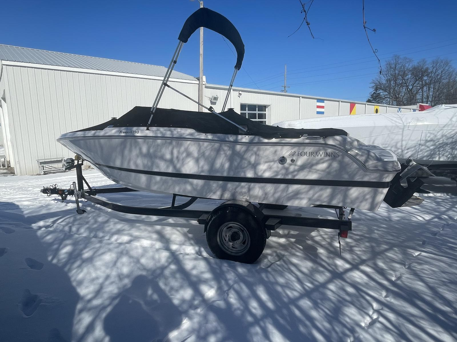 2017 Four Winns boat for sale, model of the boat is Freedom 190 & Image # 1 of 7