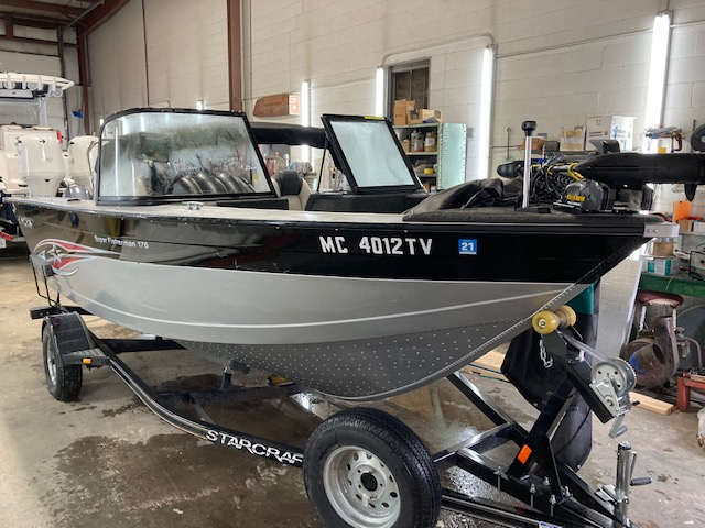 2015 Starcraft boat for sale, model of the boat is Superfisherman 176 & Image # 1 of 12