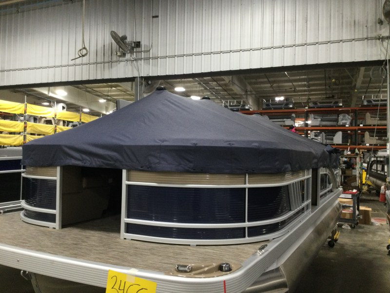 2021 Bennington boat for sale, model of the boat is 21 LL & Image # 3 of 4