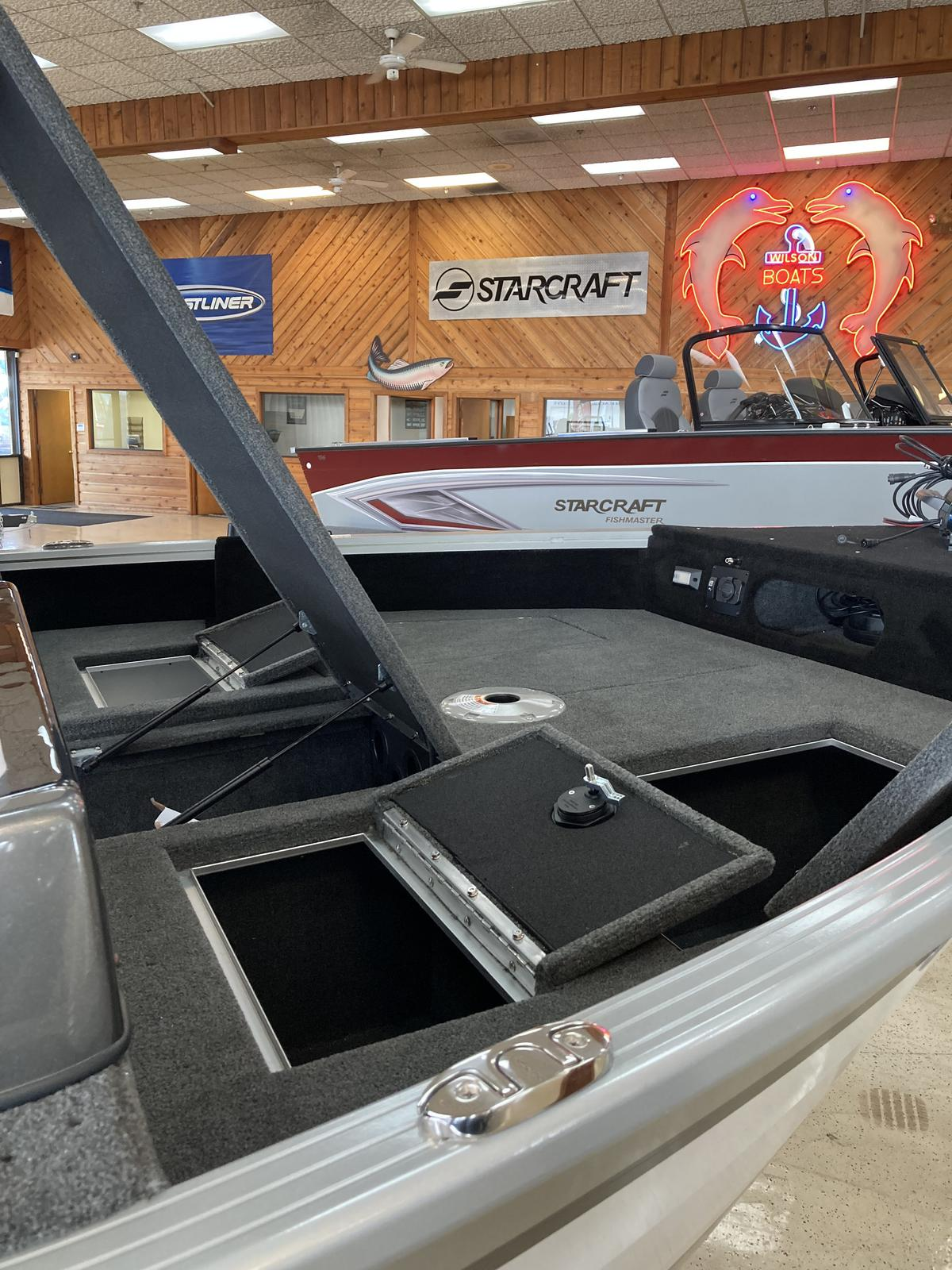 2021 Smoker Craft boat for sale, model of the boat is Adventurer 188 Pro DC & Image # 3 of 18