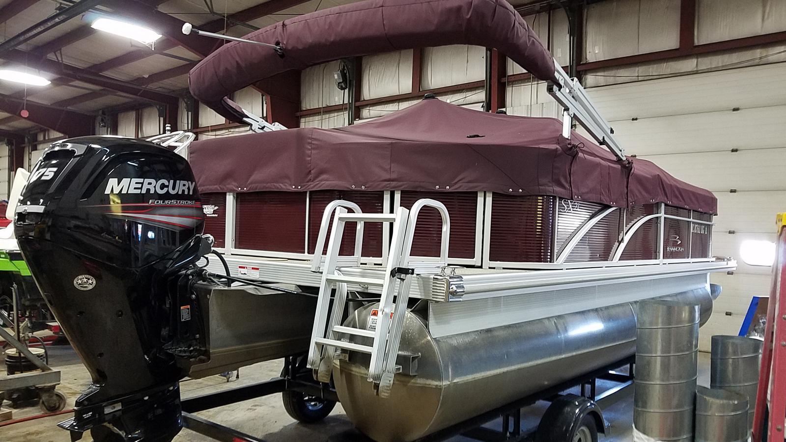 2019 Bennington boat for sale, model of the boat is 21 SLX & Image # 2 of 15