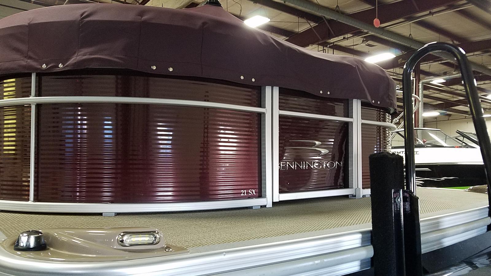 2019 Bennington boat for sale, model of the boat is 21 SLX & Image # 4 of 15