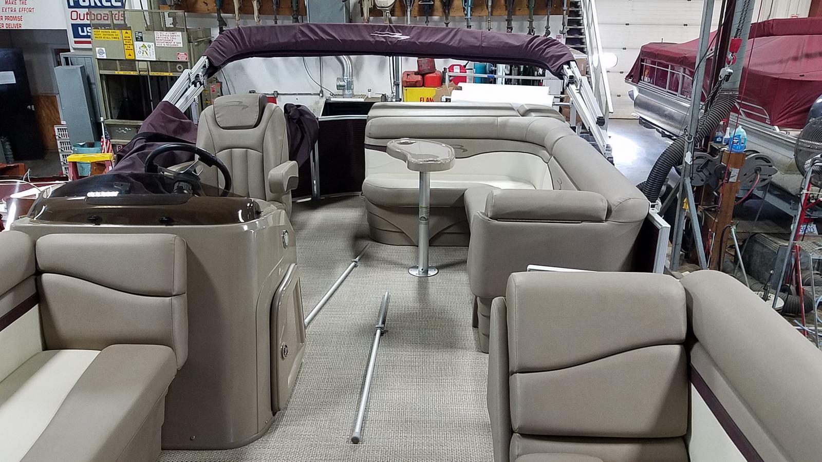 2019 Bennington boat for sale, model of the boat is 21 SLX & Image # 6 of 15