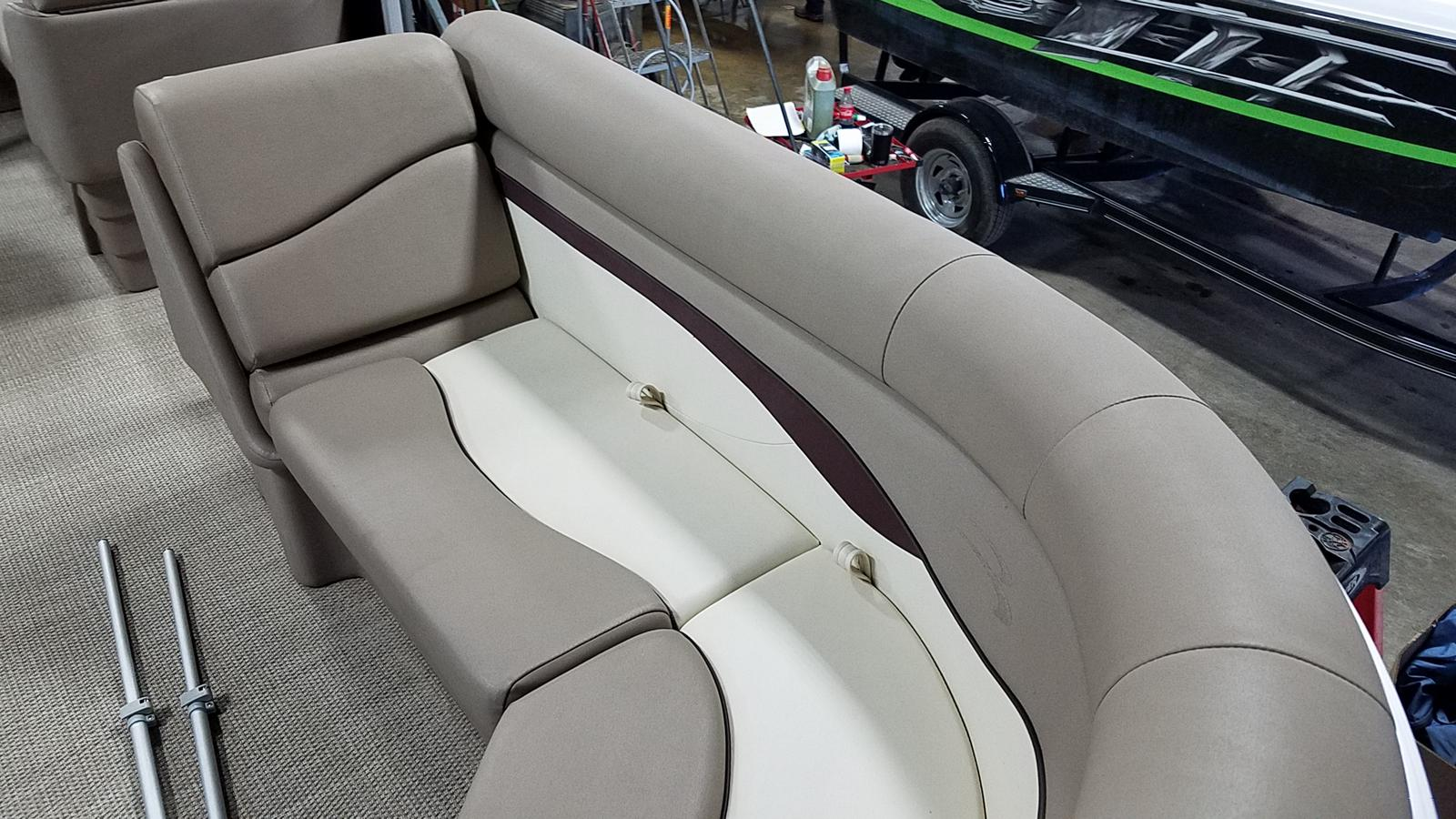 2019 Bennington boat for sale, model of the boat is 21 SLX & Image # 7 of 15
