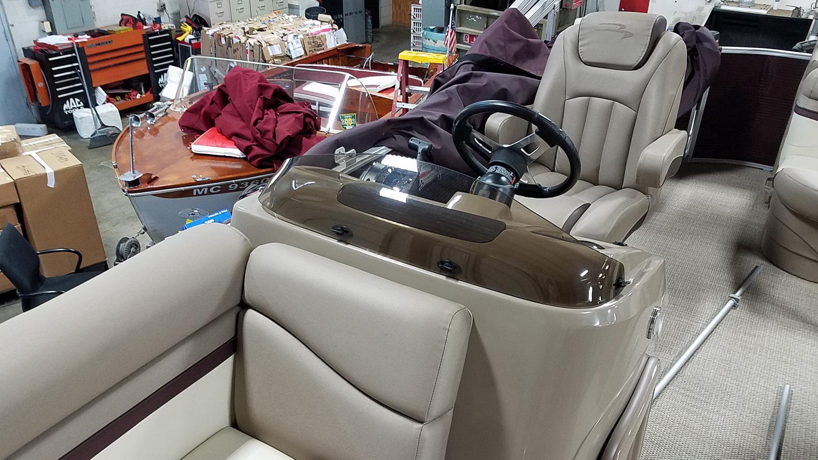 2019 Bennington boat for sale, model of the boat is 21 SLX & Image # 8 of 15