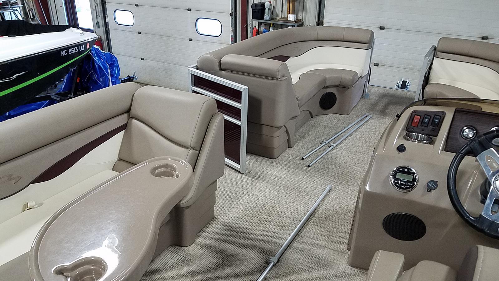 2019 Bennington boat for sale, model of the boat is 21 SLX & Image # 11 of 15