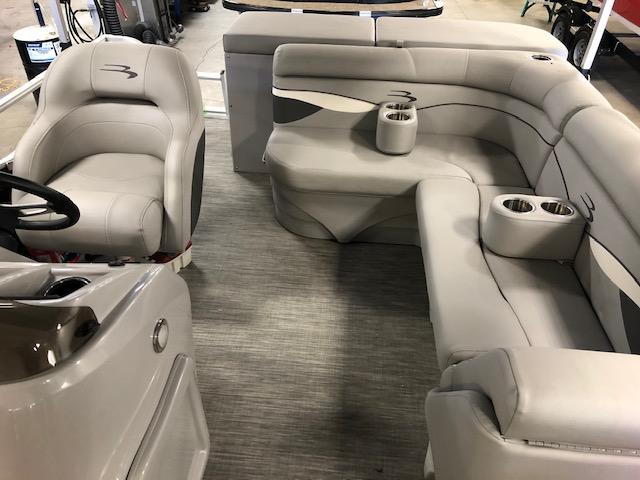 2020 Bennington boat for sale, model of the boat is 188 SLV & Image # 5 of 5
