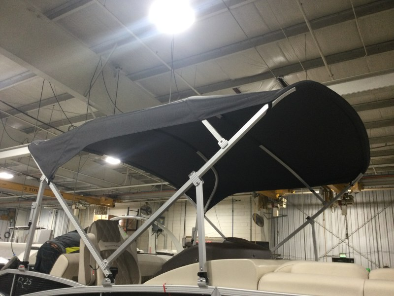 2021 Bennington boat for sale, model of the boat is 25 RSB & Image # 4 of 28