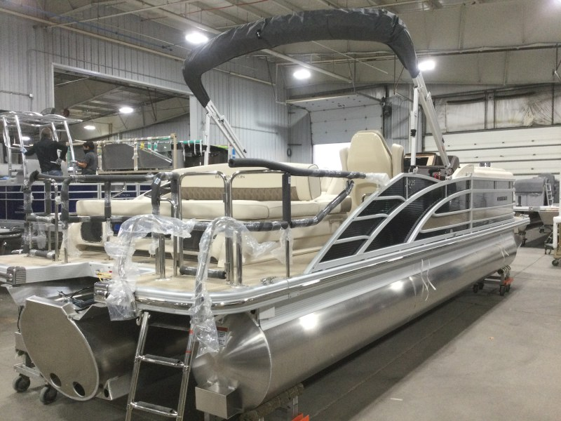 2021 Bennington boat for sale, model of the boat is 25 RSB & Image # 7 of 28