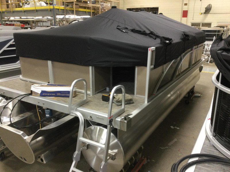 2021 Bennington boat for sale, model of the boat is 198 SL & Image # 5 of 20