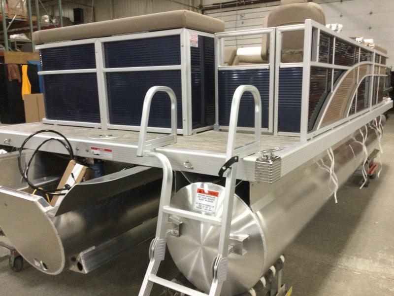 2021 Bennington boat for sale, model of the boat is 198 SL & Image # 9 of 22