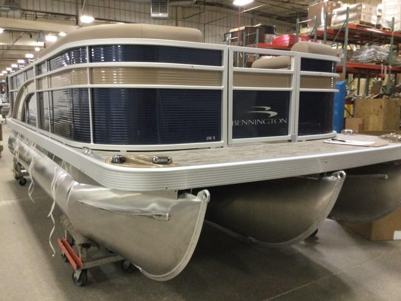 2021 Bennington boat for sale, model of the boat is 198 SL & Image # 1 of 22