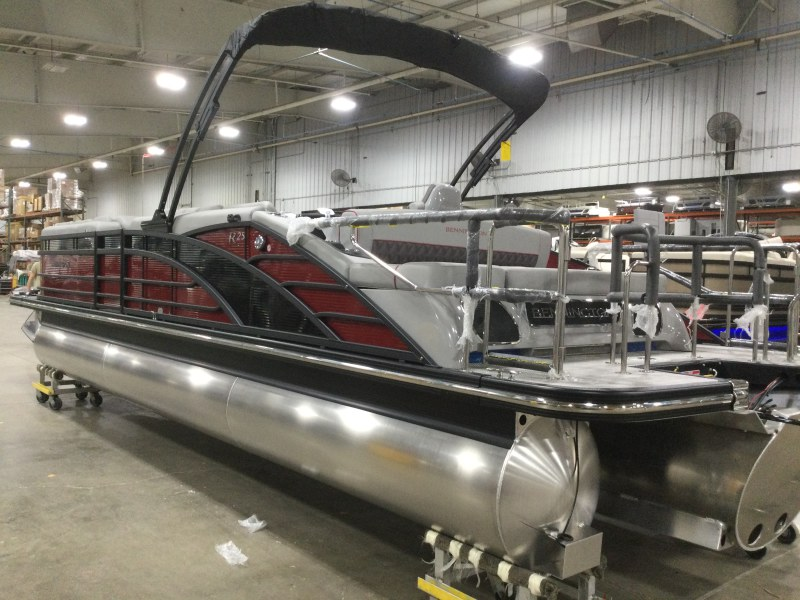 2021 Bennington boat for sale, model of the boat is 25 RSB & Image # 9 of 29