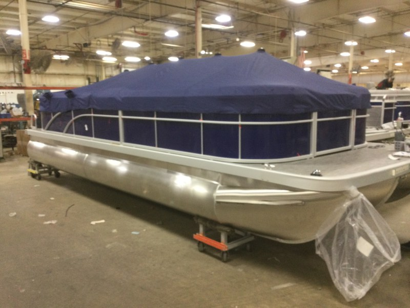 2021 Bennington boat for sale, model of the boat is 24 SVSR & Image # 1 of 24