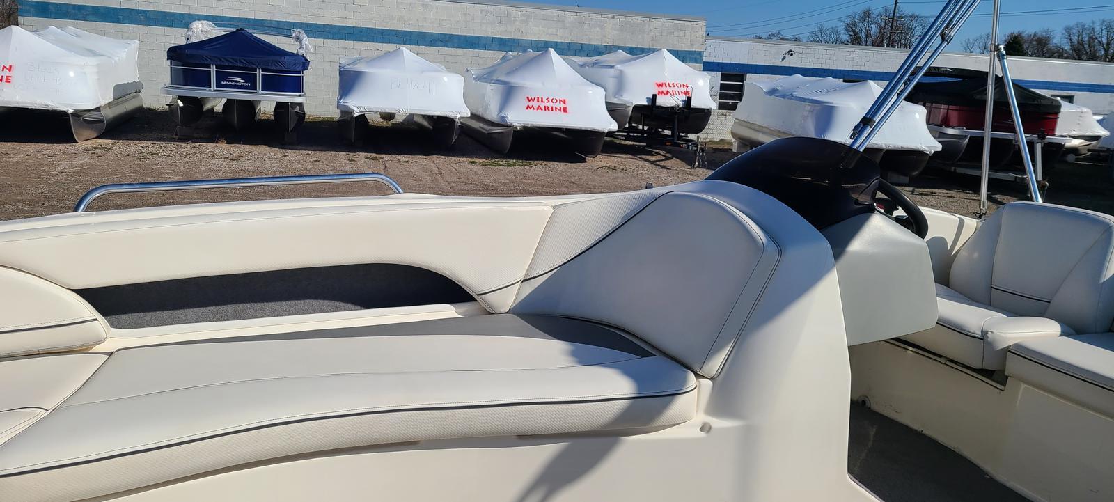 2009 Bayliner boat for sale, model of the boat is 197 & Image # 3 of 6