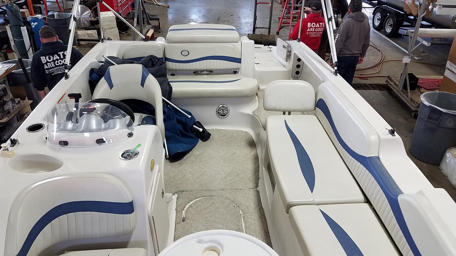2010 Starcraft boat for sale, model of the boat is Limited 2000 I/O & Image # 5 of 13