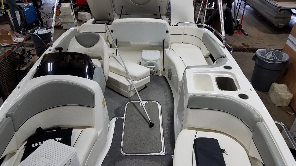 2012 Bayliner boat for sale, model of the boat is 217DB & Image # 6 of 14