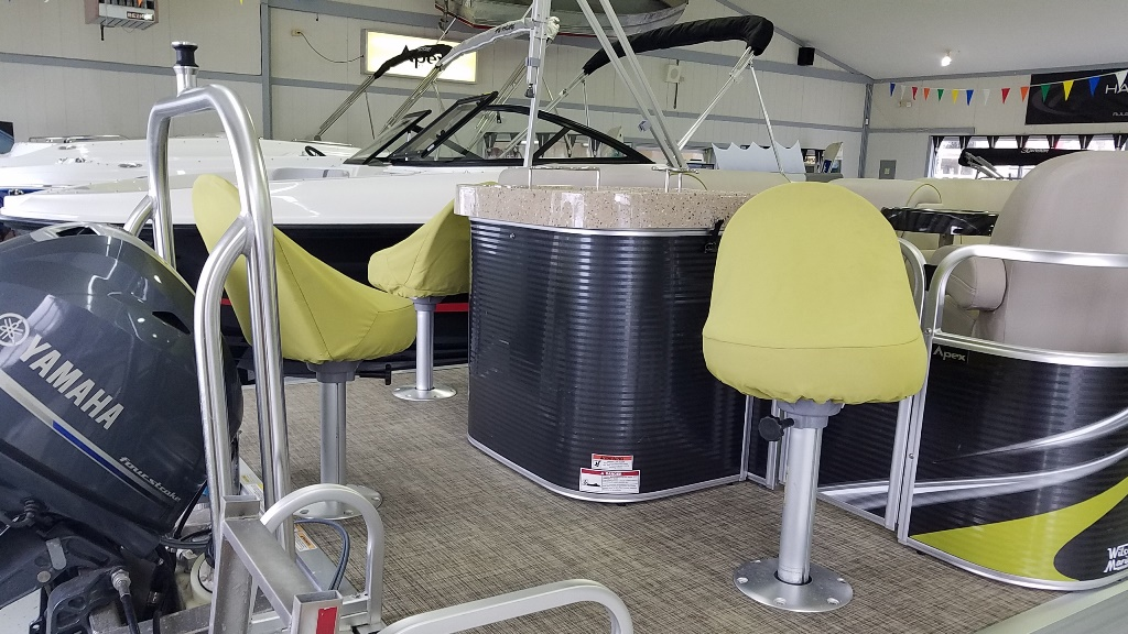 2016 Apex Pontoons boat for sale, model of the boat is Qwest LS 818 Splash Pad & Image # 5 of 11