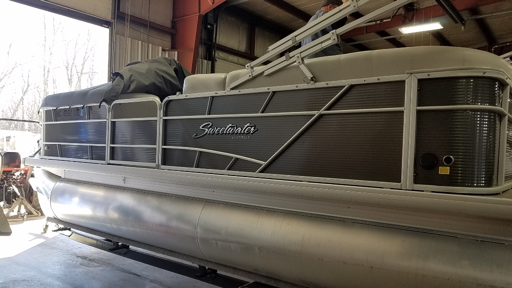 2018 Sweetwater boat for sale, model of the boat is SW 2186 C & Image # 1 of 15