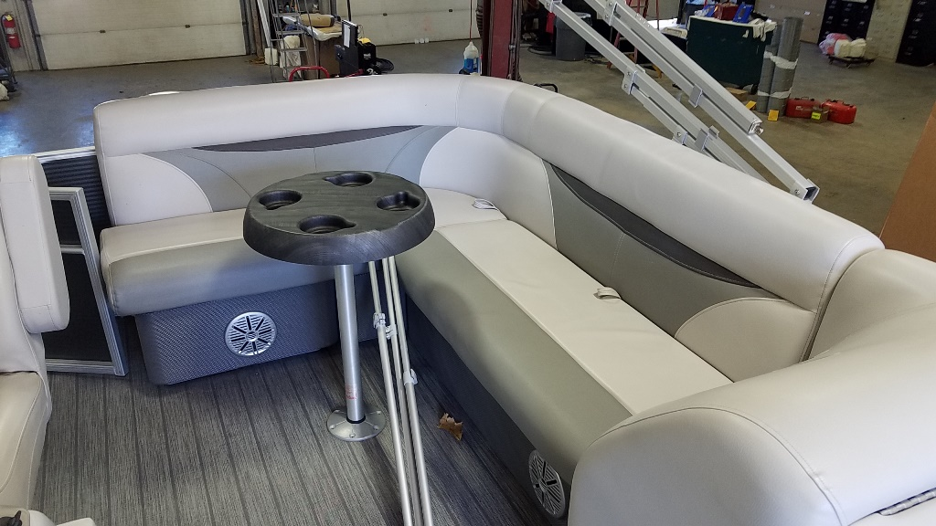 2018 Sweetwater boat for sale, model of the boat is SW 2186 C & Image # 7 of 15