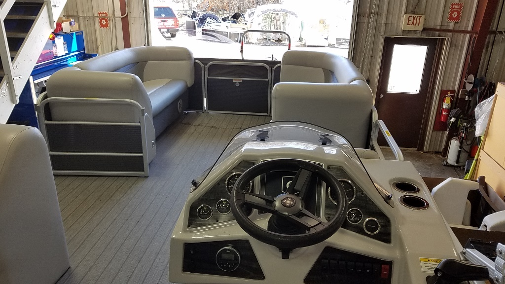 2018 Sweetwater boat for sale, model of the boat is SW 2186 C & Image # 9 of 15