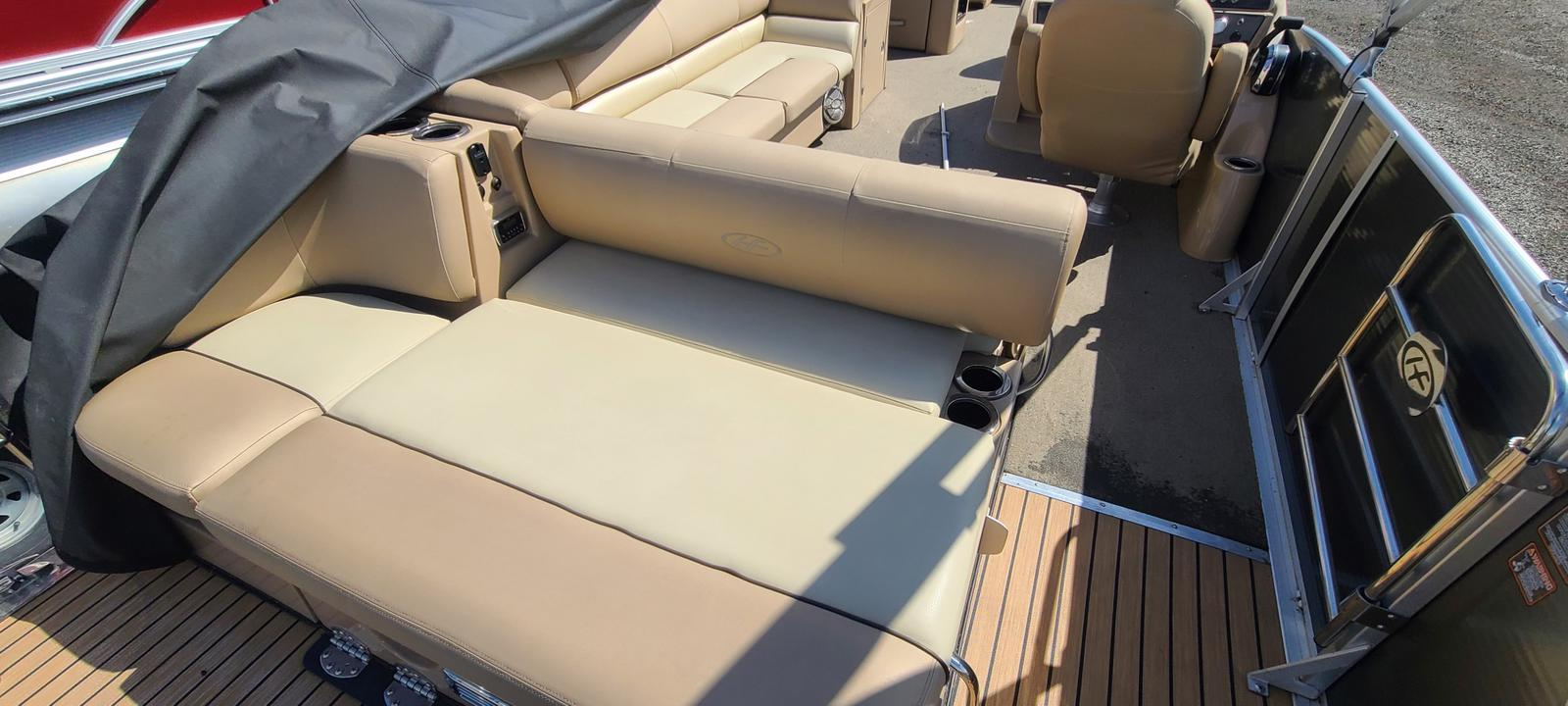 2015 Harris boat for sale, model of the boat is Grand Mariner SL 250 & Image # 10 of 12