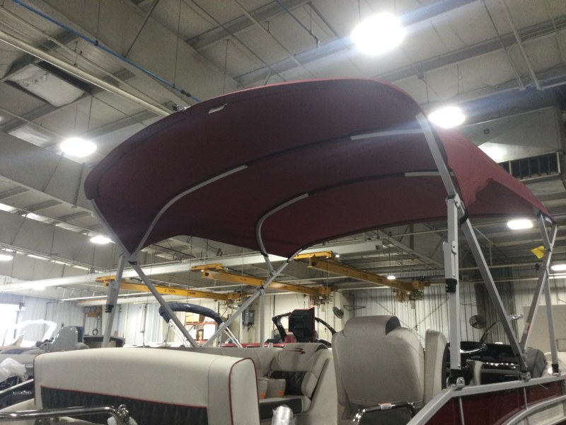 2021 Bennington boat for sale, model of the boat is 24 LXSB & Image # 7 of 16