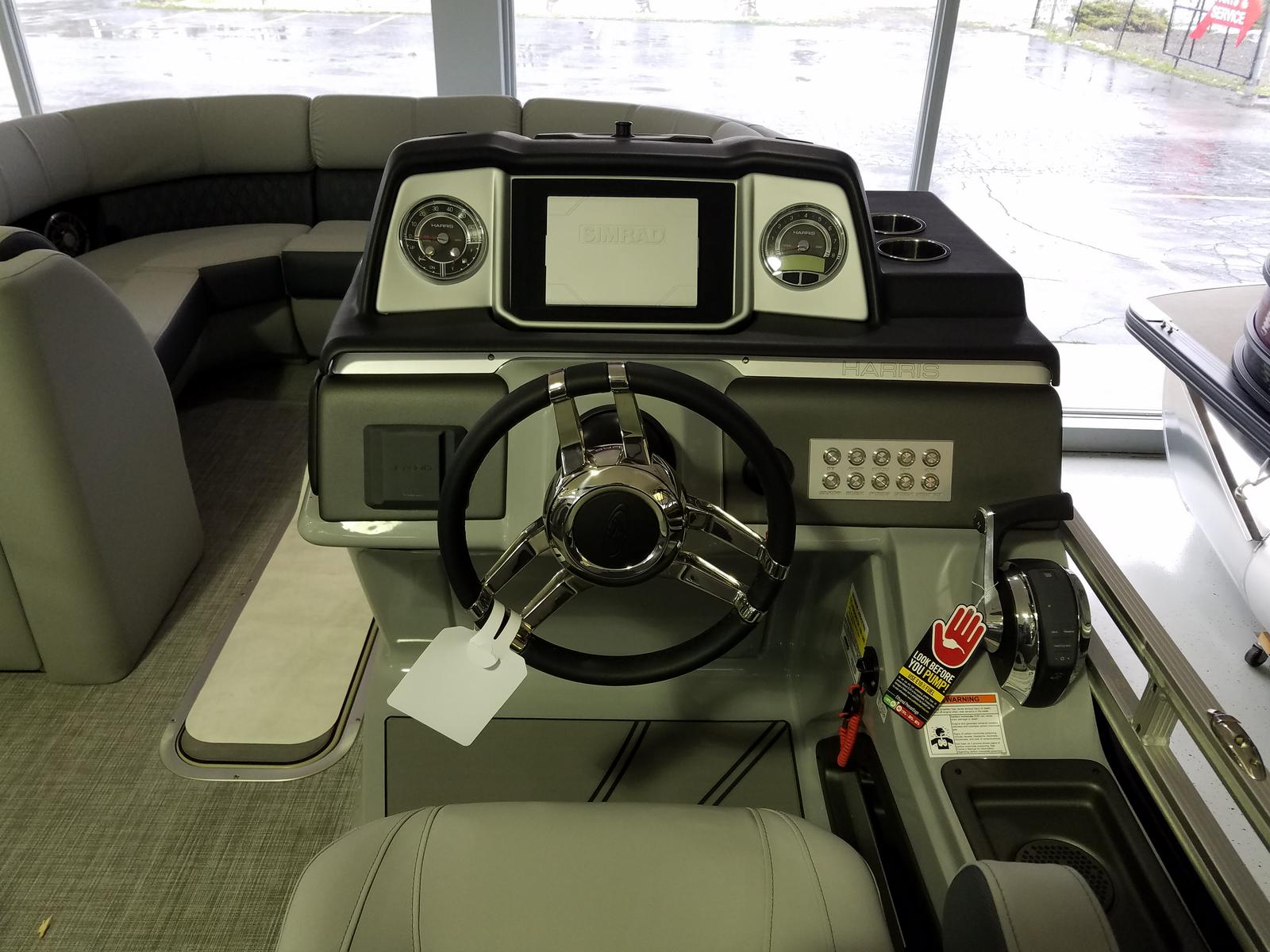 2021 Harris boat for sale, model of the boat is Solstice 230 & Image # 3 of 16