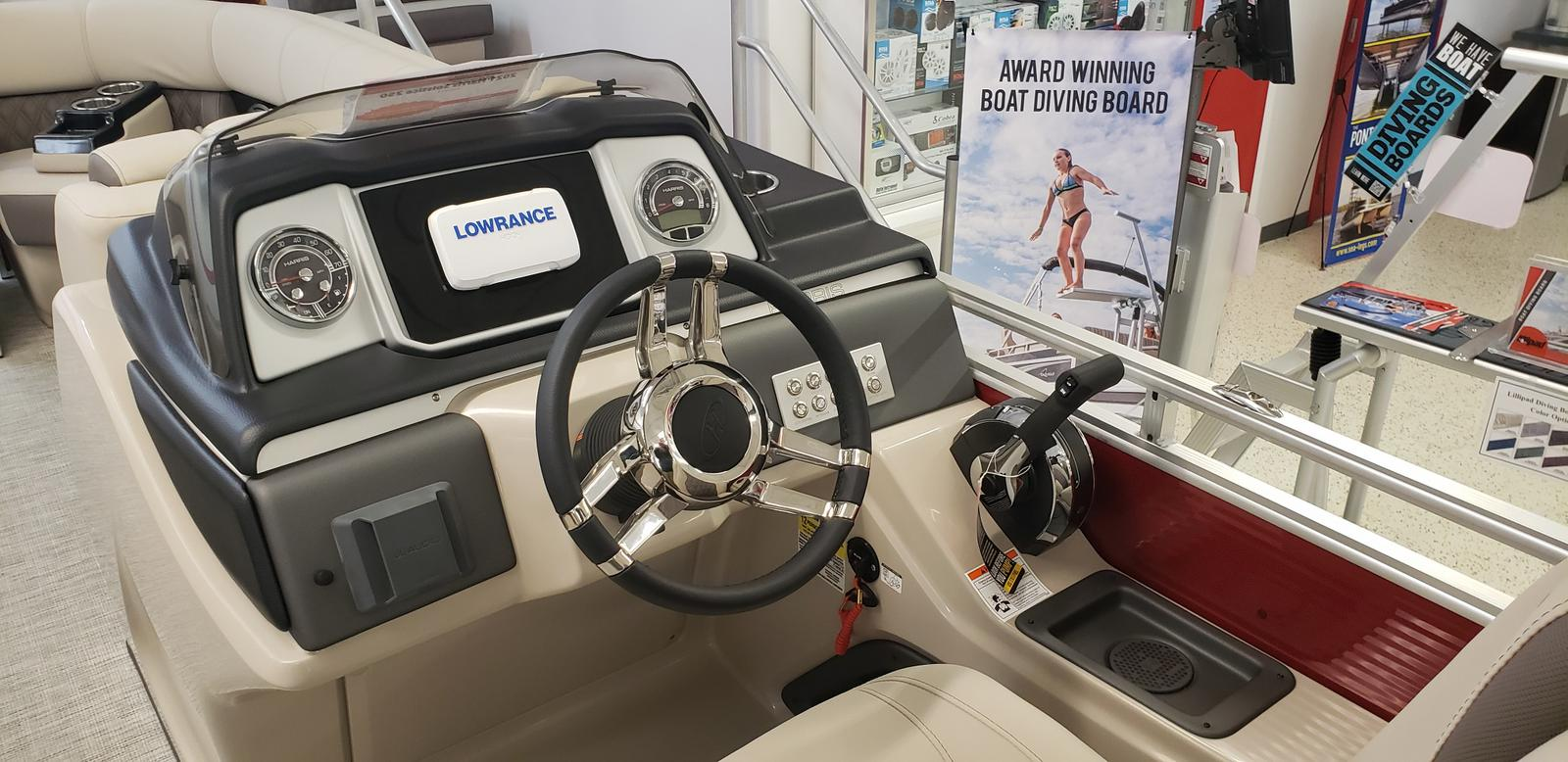 2021 Harris boat for sale, model of the boat is Solstice 250 & Image # 2 of 16