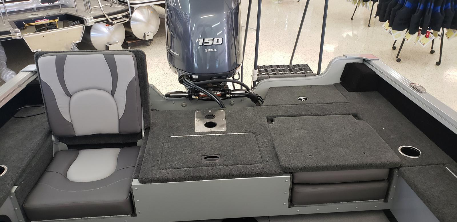 2021 Smoker Craft boat for sale, model of the boat is Adventurer 188 DC & Image # 4 of 16