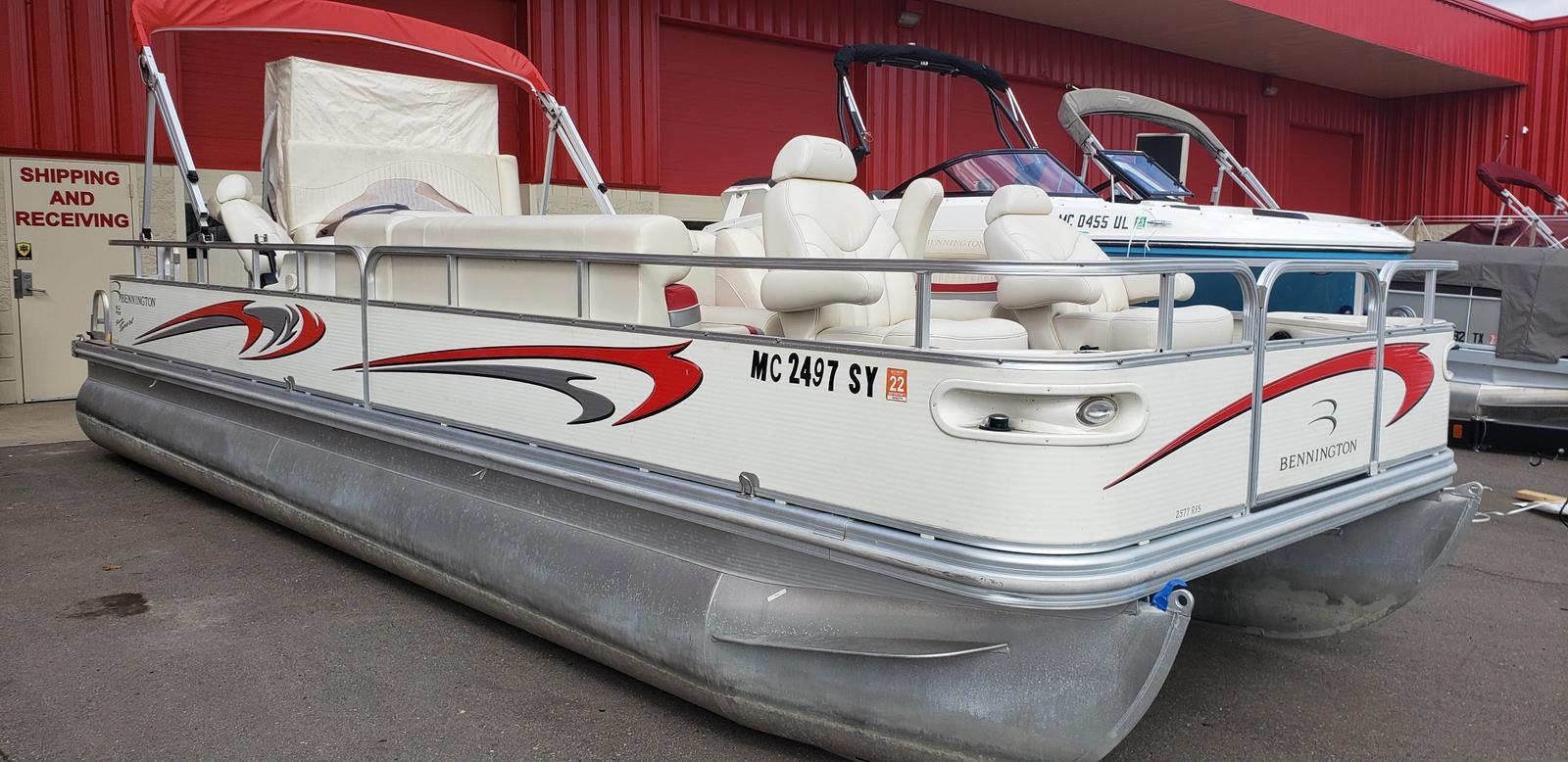 2007 Bennington boat for sale, model of the boat is 2577RFS & Image # 1 of 12