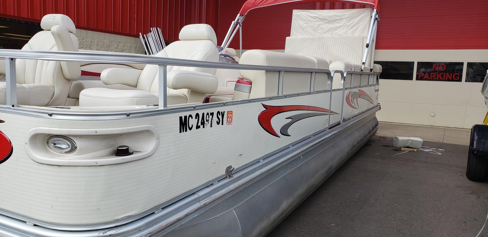 2007 Bennington boat for sale, model of the boat is 2577RFS & Image # 4 of 12