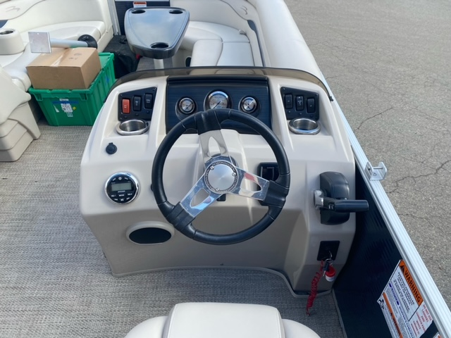 2019 Bennington boat for sale, model of the boat is 22 SSXAPG & Image # 3 of 11