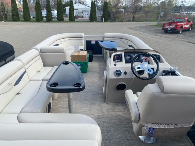 2019 Bennington boat for sale, model of the boat is 22 SSXAPG & Image # 4 of 11