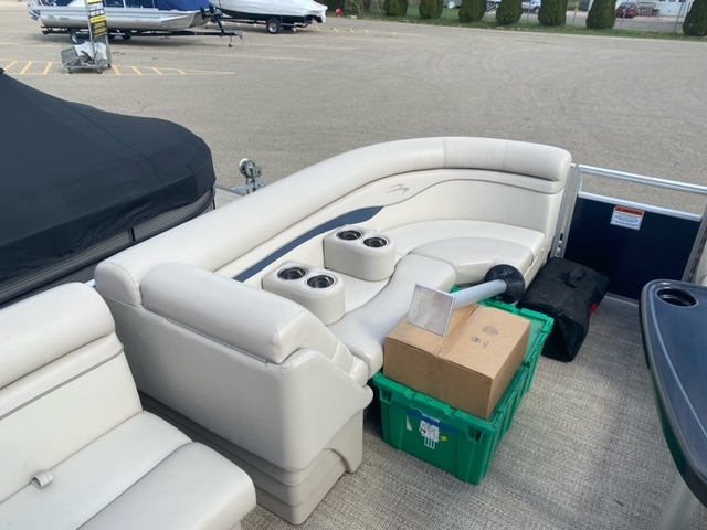 2019 Bennington boat for sale, model of the boat is 22 SSXAPG & Image # 5 of 11