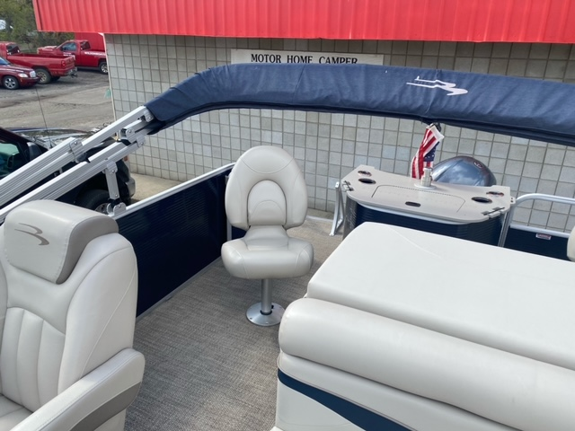 2019 Bennington boat for sale, model of the boat is 22 SSXAPG & Image # 7 of 11