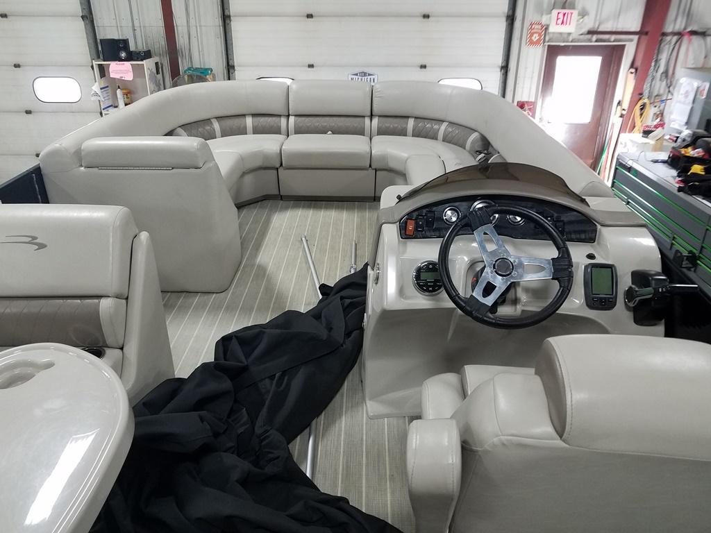 2016 Bennington boat for sale, model of the boat is 21 SLX - Premium & Image # 7 of 16