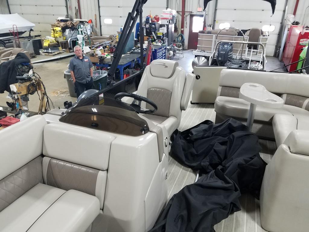 2016 Bennington boat for sale, model of the boat is 21 SLX - Premium & Image # 12 of 16