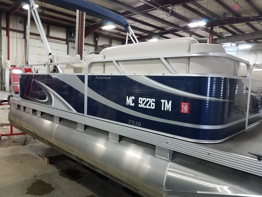 2013 Apex Pontoons boat for sale, model of the boat is Qwest Adventure 7516 Cruise Deluxe & Image # 3 of 9