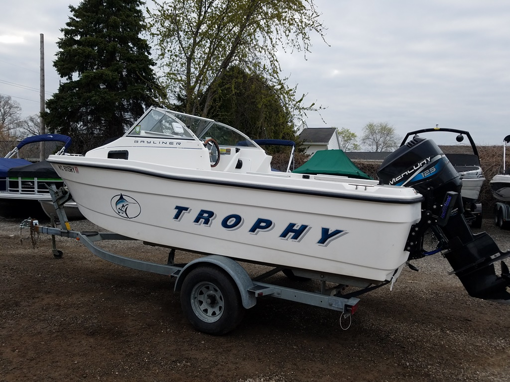 1999 Trophy Marine boat for sale, model of the boat is 1802 WA & Image # 2 of 12