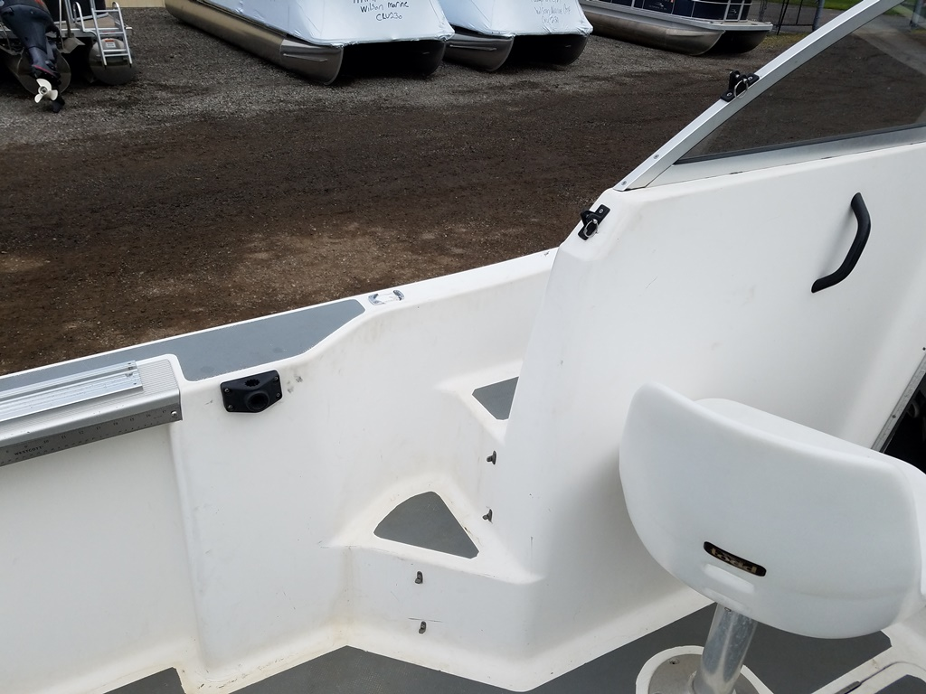 1999 Trophy Marine boat for sale, model of the boat is 1802 WA & Image # 7 of 12