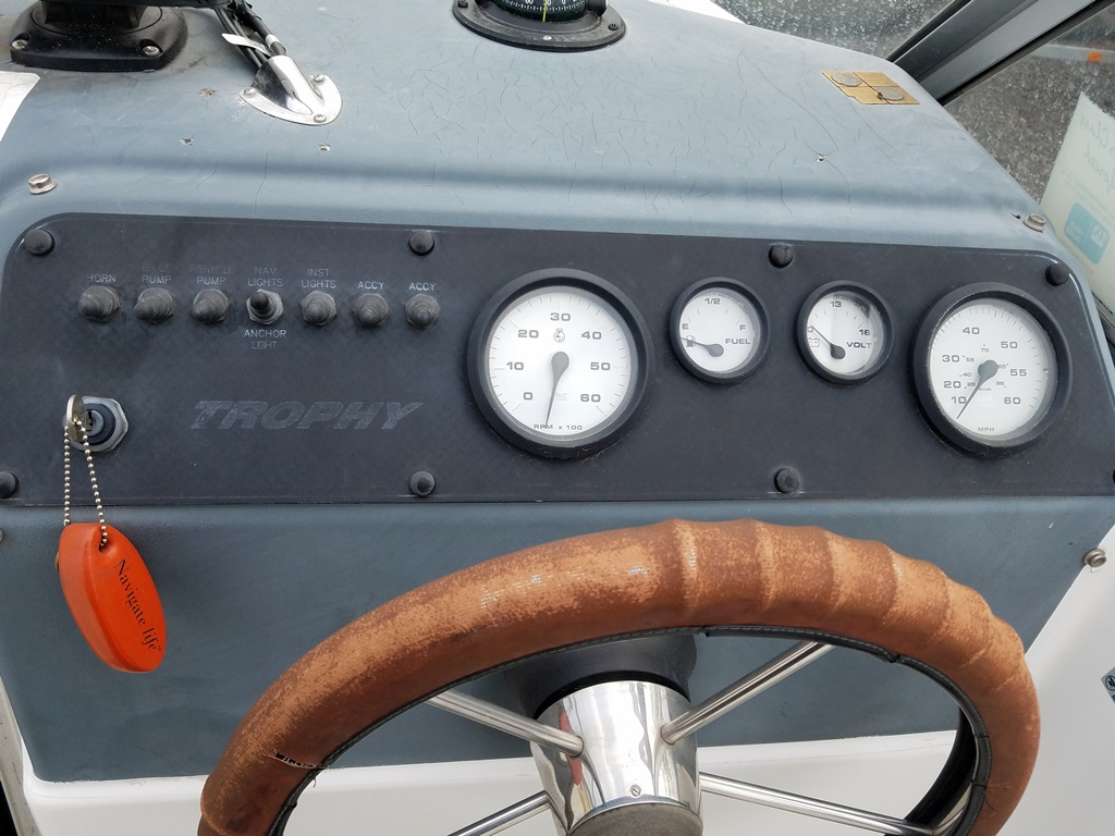 1999 Trophy Marine boat for sale, model of the boat is 1802 WA & Image # 12 of 12