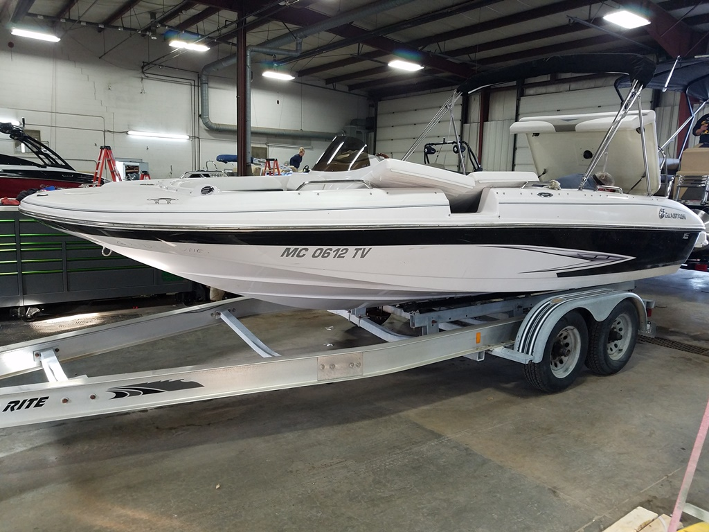 2014 Glastron boat for sale, model of the boat is DS 205 & Image # 1 of 14