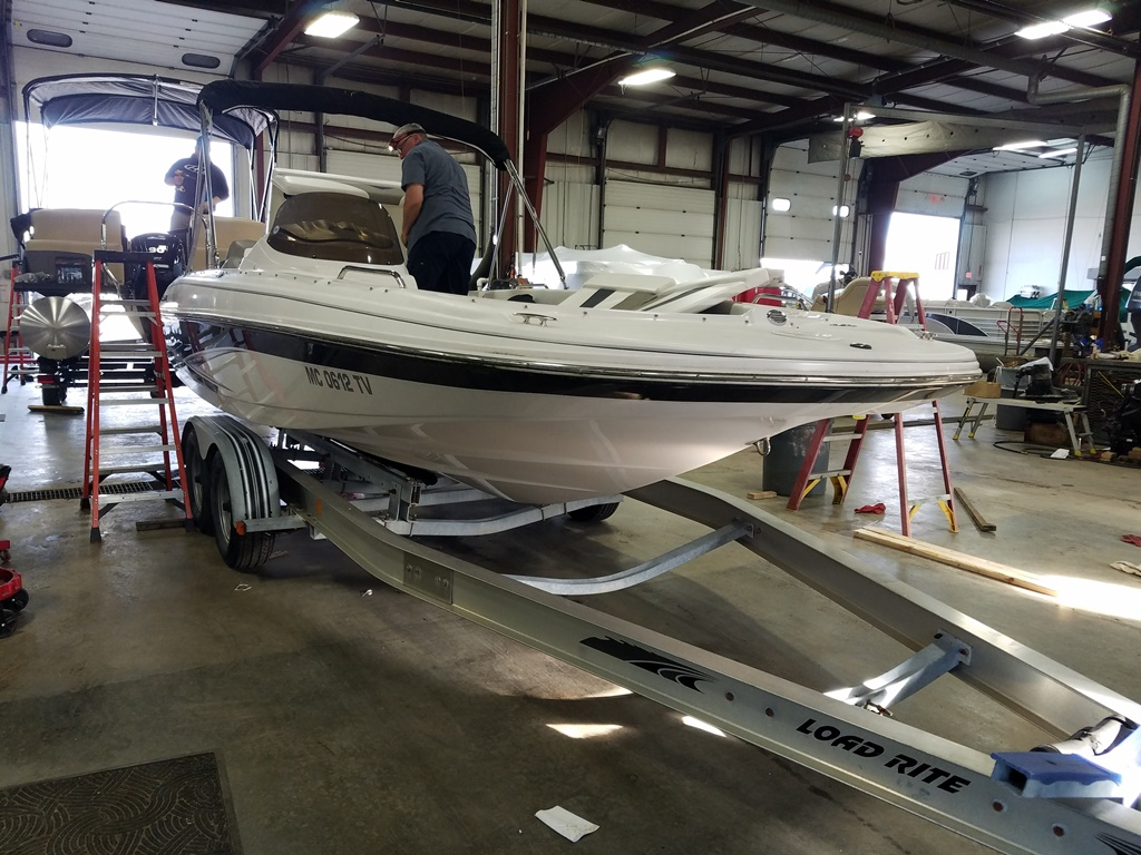 2014 Glastron boat for sale, model of the boat is DS 205 & Image # 2 of 14