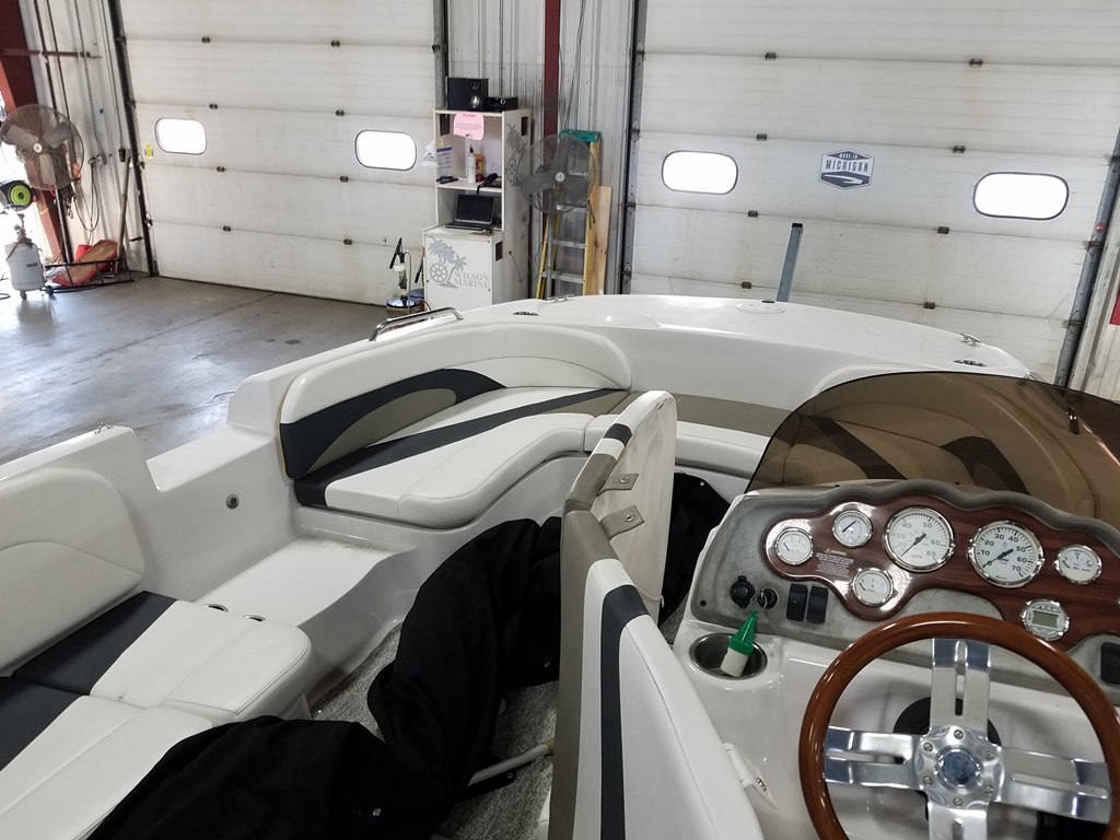 2014 Glastron boat for sale, model of the boat is DS 205 & Image # 6 of 14
