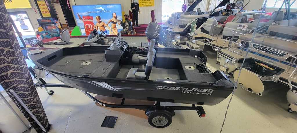 2021 Crestliner boat for sale, model of the boat is 1450 Discovery Side Console & Image # 1 of 13