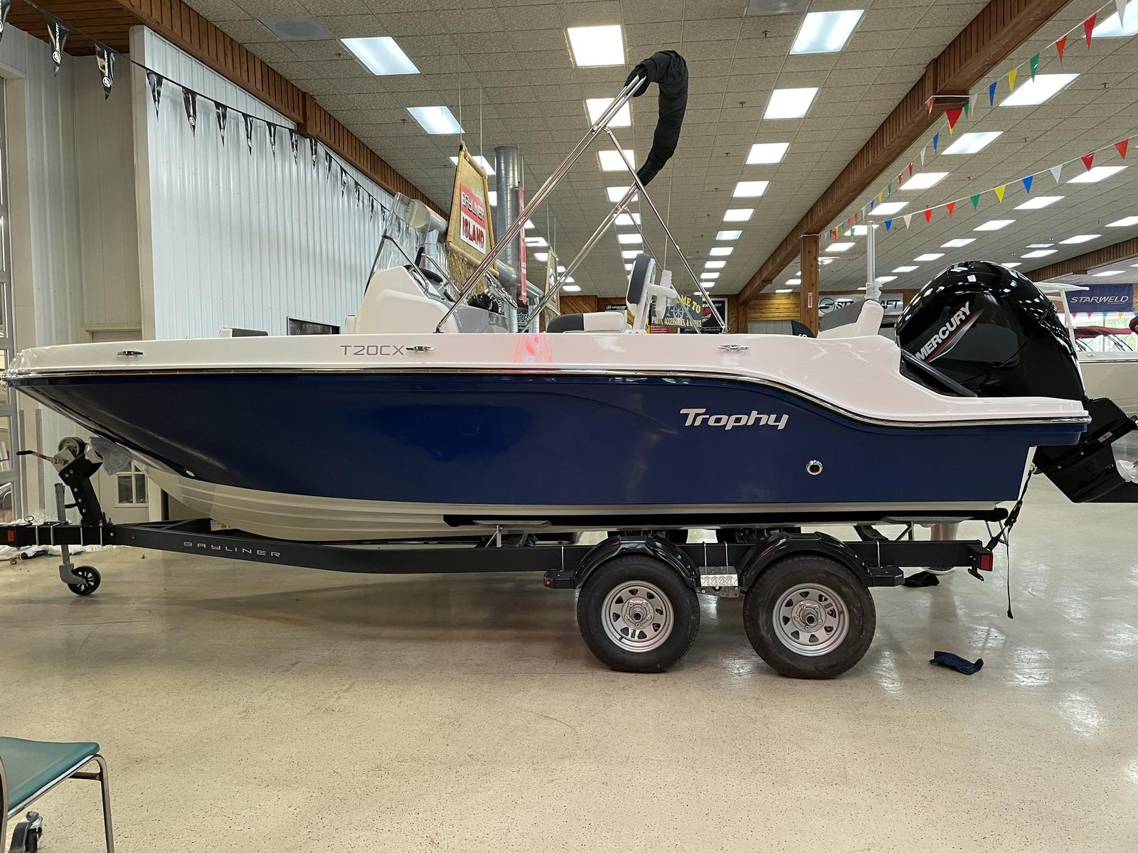 2021 Bayliner boat for sale, model of the boat is T20CC & Image # 2 of 12